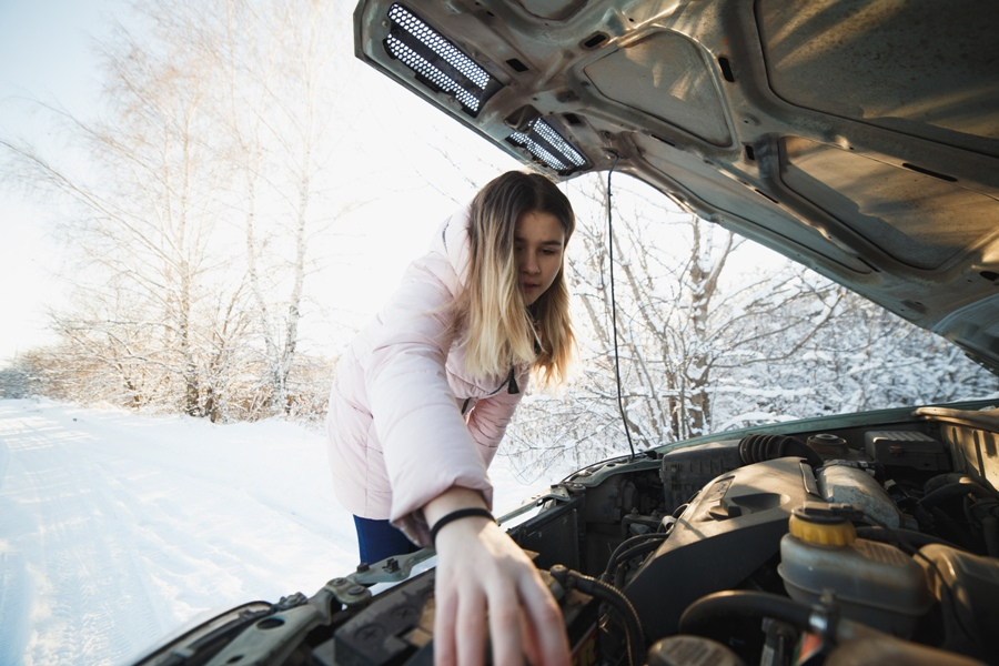Most Common Auto Repair Issues During Winter Cometao