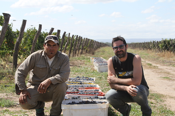 Gabriel Dvoskin (r) with land manager Alberto.