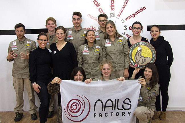 nails-factory-stop-bullying01