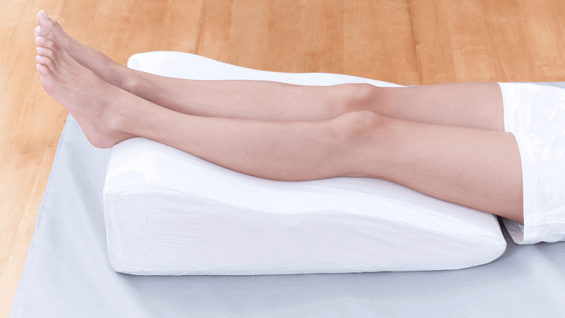 how does leg elevation pillow improves