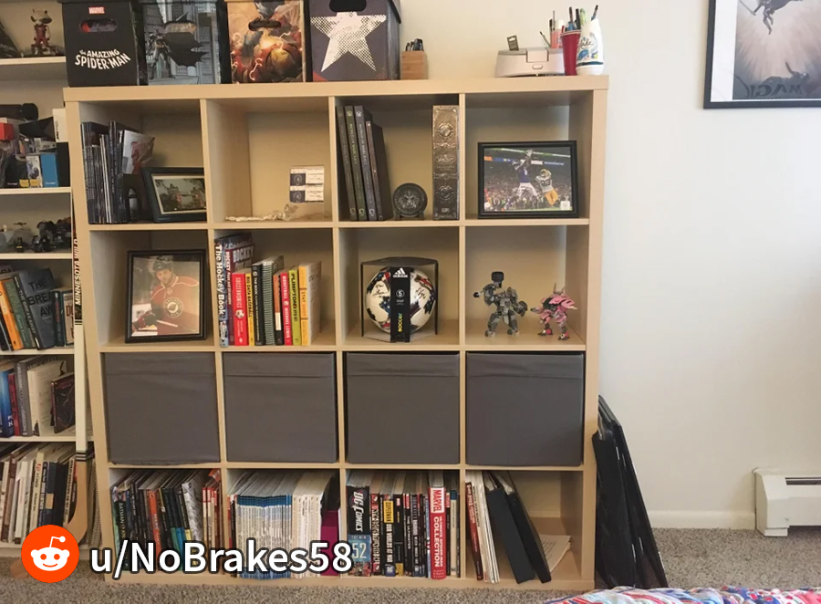 Comic book boxing shelves for storage