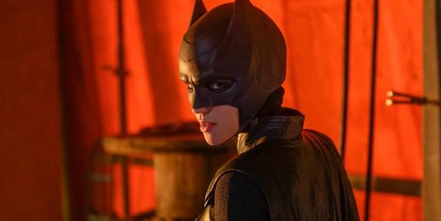Batwoman S01E01