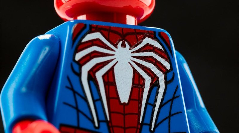 SDCC 2019: Exclusive Advanced Suit Spider-Man LEGO Minifigure & New