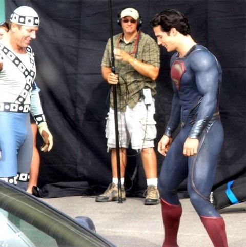 0831-henry-cavill-superman-costume-01-480x482.jpg