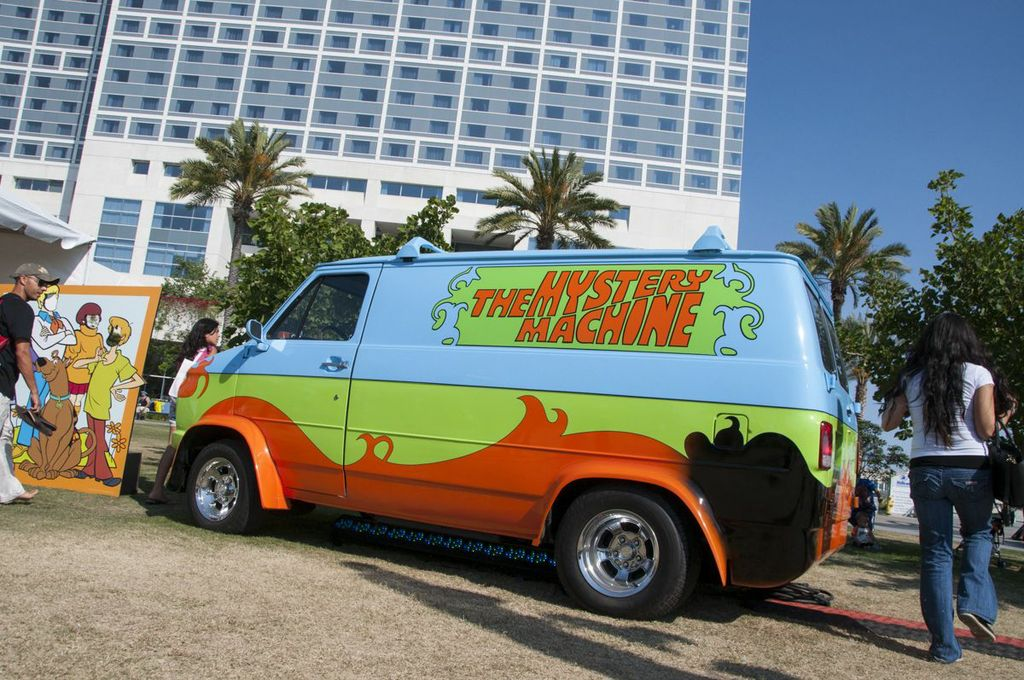 SDCC, SDCC2013, San Diego Comic Con, the mystery machine, scooby-doo, van