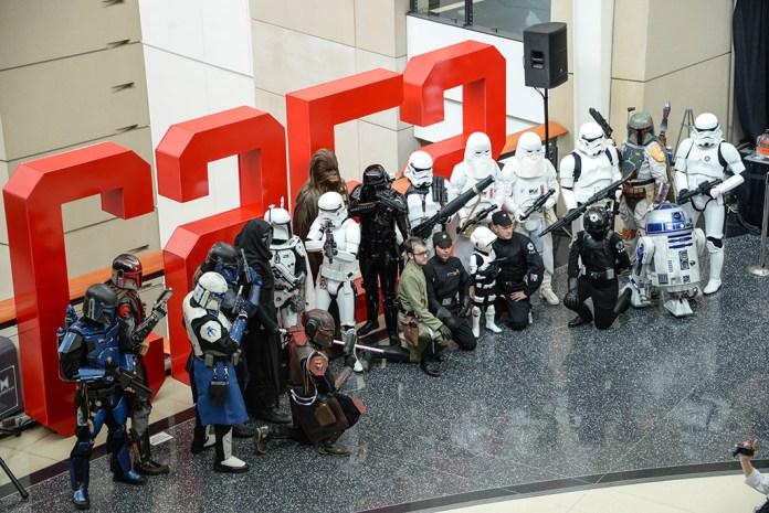 c2e2-2015-star-wars-stormtrooper-character