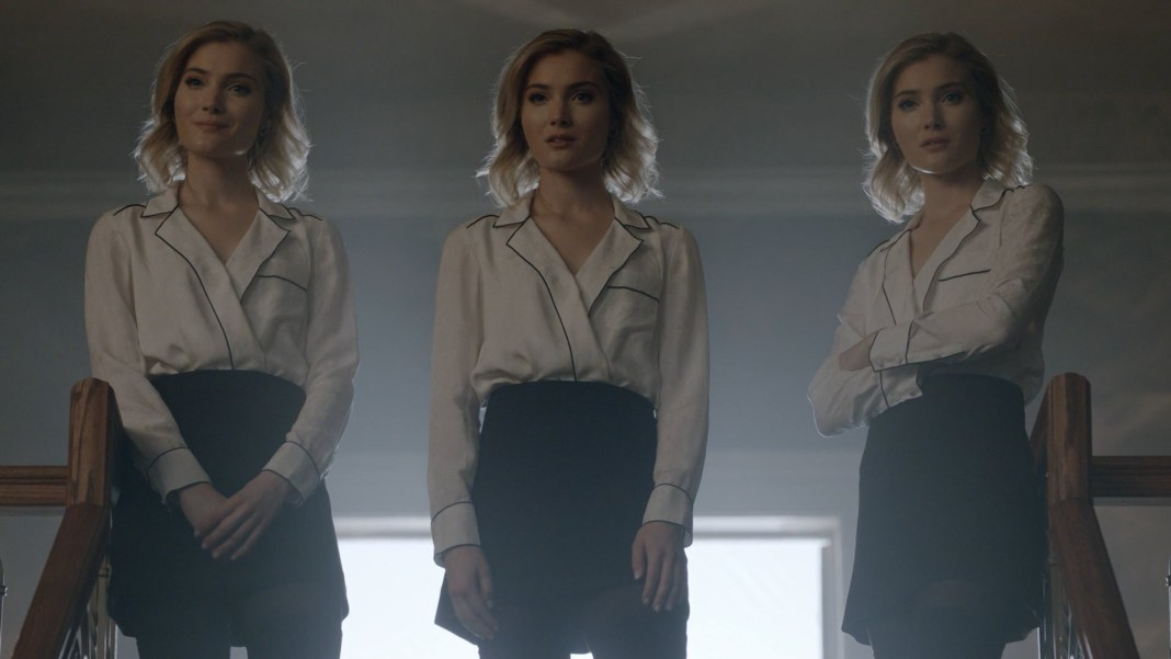 TG-Caps-1x11-3-X-1-37-Phoebe-Esme-Sophie
