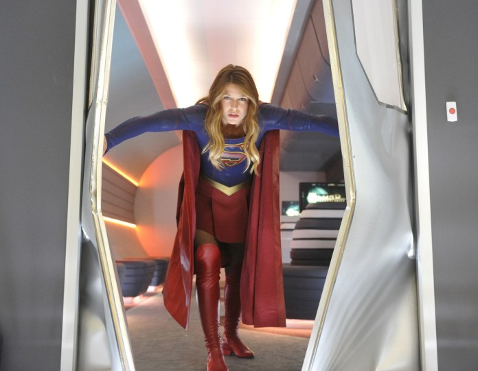 REVIEW: The earnestness and charm of SUPERGIRL S1