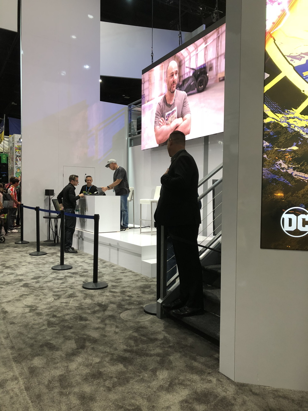 dc booth sdcc 2019