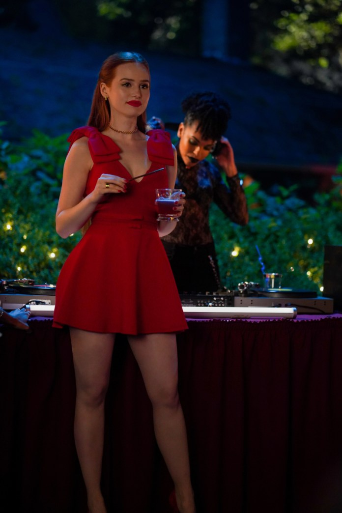 Cheryl announces that Principal Honey will be dead by the Riverdale Homecoming