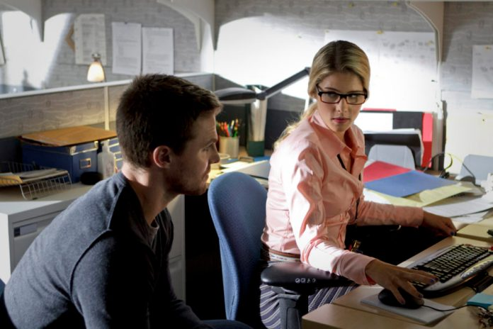 Emily Bett Rickards and Stephen Amell on ARROW