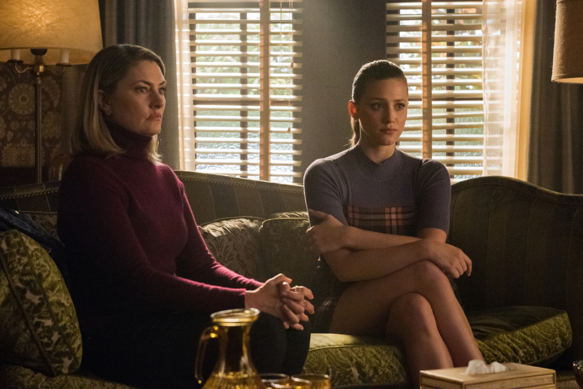 Betty and Alice at Riverdale High for therapy