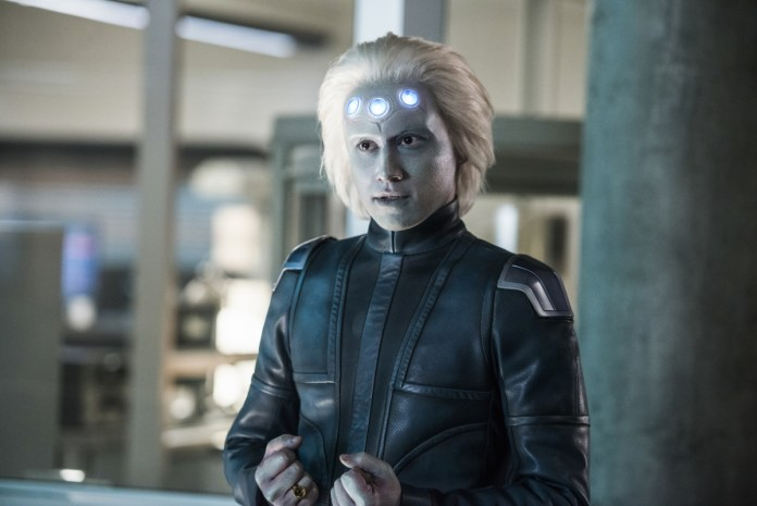 Jesse Rath as Brainiac 5 in Supergirl Season 3 - How Supergirl has failed the Legion
