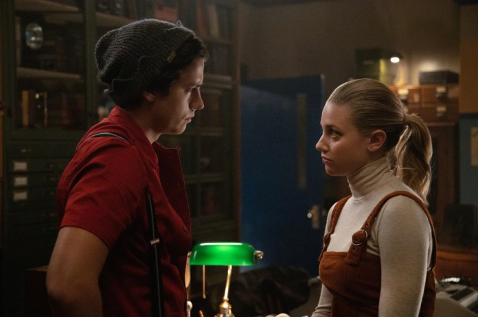 Jughead and Betty discuss Yale on Riverdale
