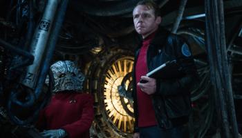 Simon Pegg and friend in Star Trek Beyond