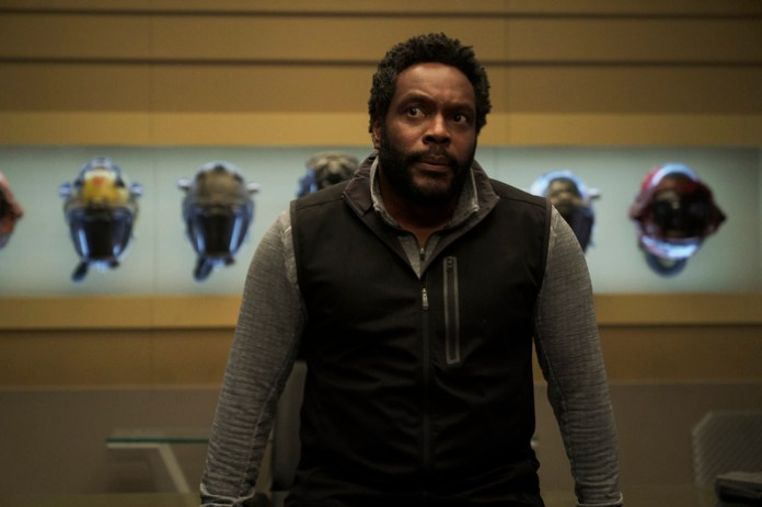 """Fred Johnson (Chad L. Coleman) contemplates...something (probably something stupid Jim Holden did) in """"Churn"""""""
