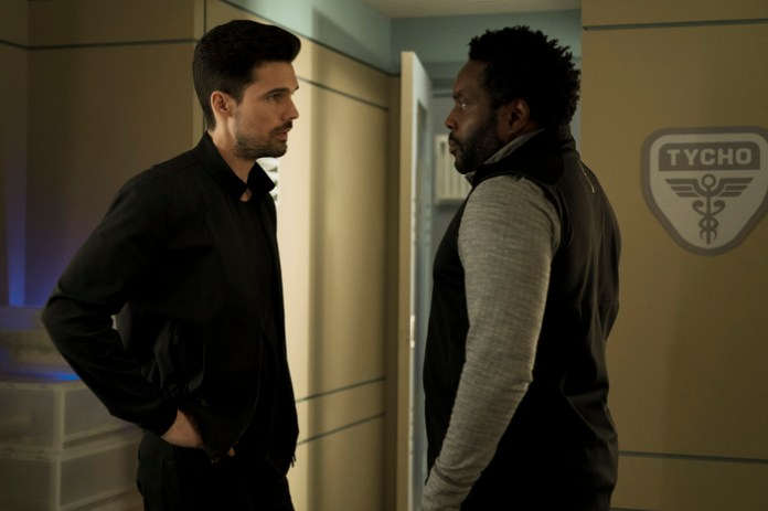 "Jim Holden (Steven Strait) and Fred Johnson (Chad L. Coleman) are on the hunt in ""Mother"""