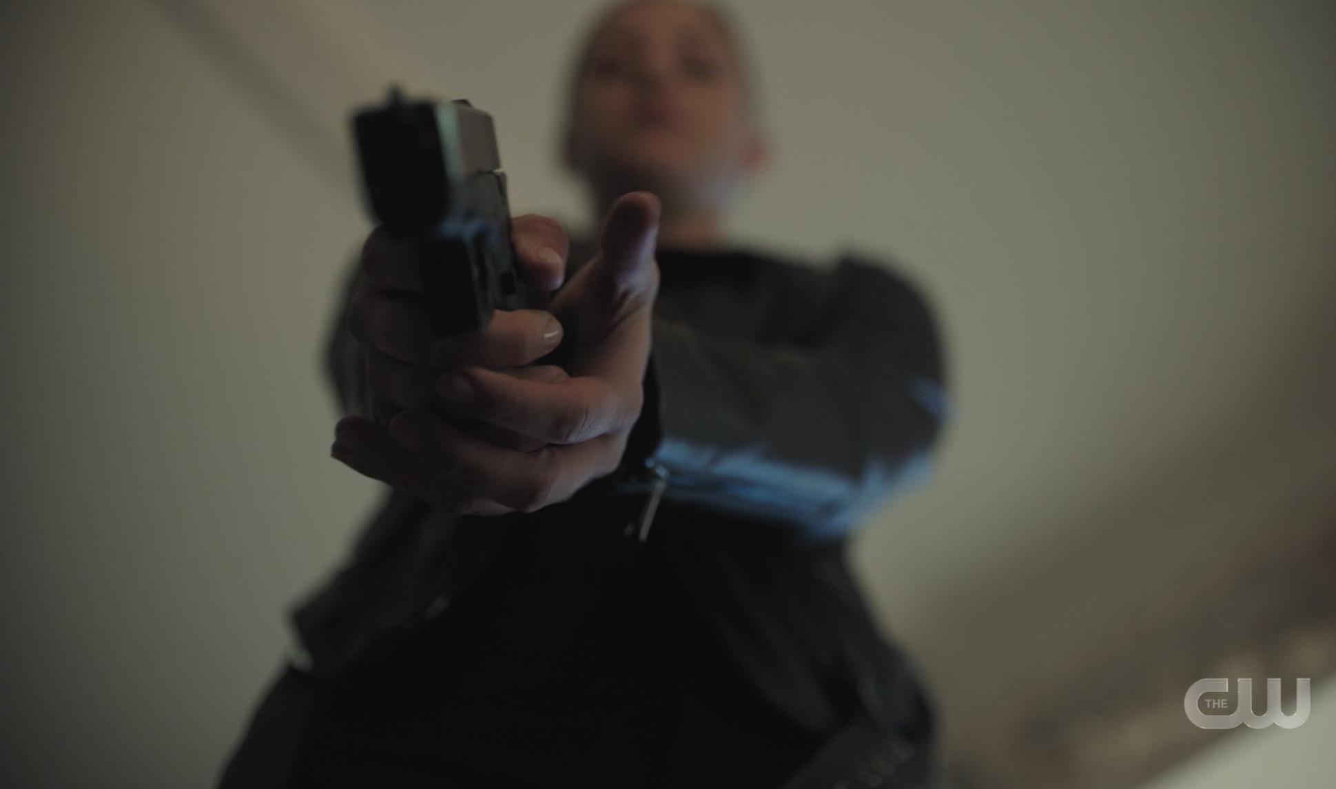 Betty's got a gun...
