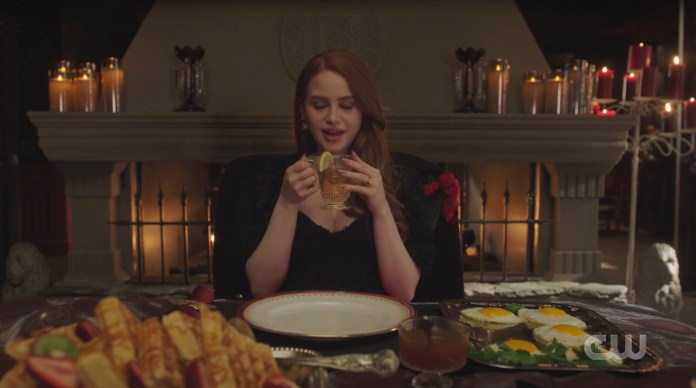 Cheryl Blossom fasts despite Penelope's best attempt to get her to cave