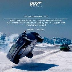 """Bond (Pierce Brosnan) dans l'Aston Martin V12 Vanquish suréquipées de Q, poursuivie par Zao dans une Jaguar XKR à Jokulsárlón en Islande. Le lac gelé de Jokulsárlón entouré d'énormes glaciers fournit un décors excitant pour ce que le réalisateur des scènes d'action Vic Armstrong décrit comme le """"Ballet sur Glace"""". L'équipe passa trois semaines dans cette zone glaciale situé à Hofn (à une heure de vol de Reykjavik)."""