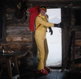 Spy-Who-Loved-Me-Ski-Suit-2
