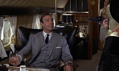 Bond et Magneto partagent le même tailleur