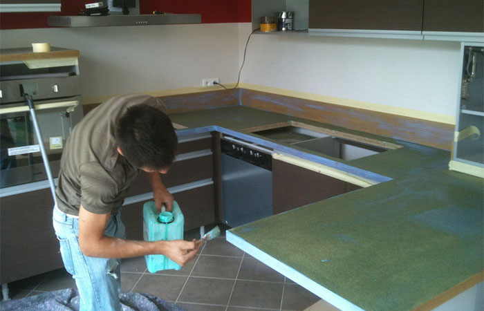 peindre un plan de travail de cuisine