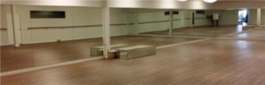 Commercial-Glass-Door-Storefront-Window-Replacement-Las-Vegas-dance-studio