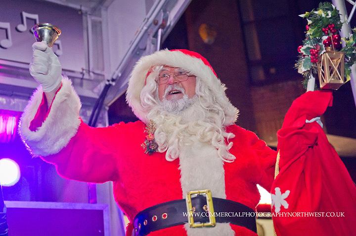 Altrincham-Stamford-Quarter-christmas-lights-lantern-parade-2013-blog-014