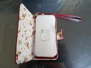 ouverture housse portefeuille olixar rouge fleur