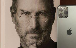 Steve Jobs Buch iPhone Genie Vorbild Personalentwicklung