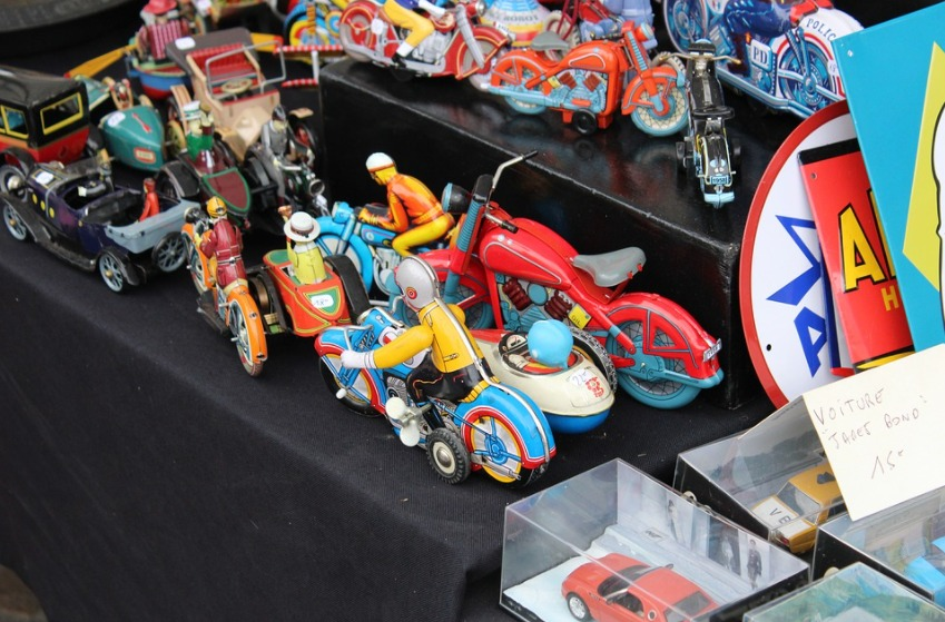 Old everyday toys found to have multiple toxins say researchers
