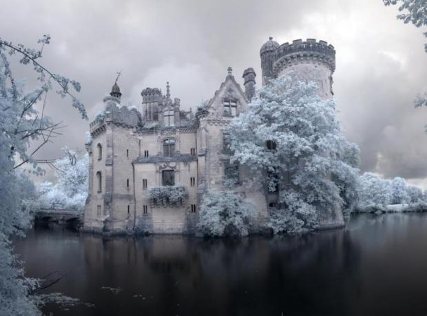 Forgotten French Castle 1