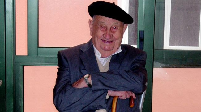 Antonio Docampo - Man Drank 4 Bottles Of Wine Every Day And Lived To 107