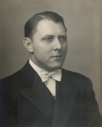 W. Fred Aschinger, Jr. *