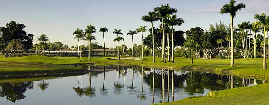 18th-hole-with-view-of