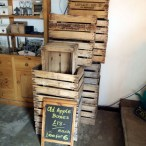 We sell many kinds of wooden packaging, such as crates, boxes and pallets