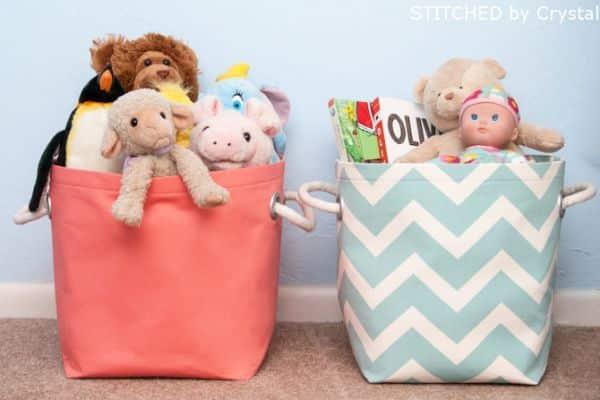 Este organizador de brinquedos para quarto também podem guardar outros itens (Foto: makeit-loveit.com)