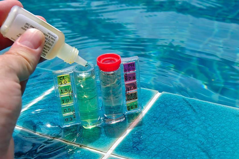 como tratar a agua da piscina