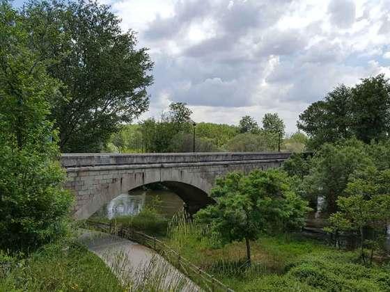 puente de piedra de escalona