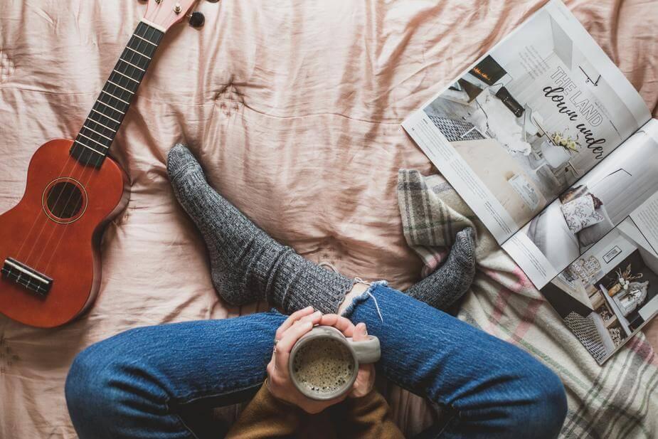 como tocar ukulele ukulele cama cafe