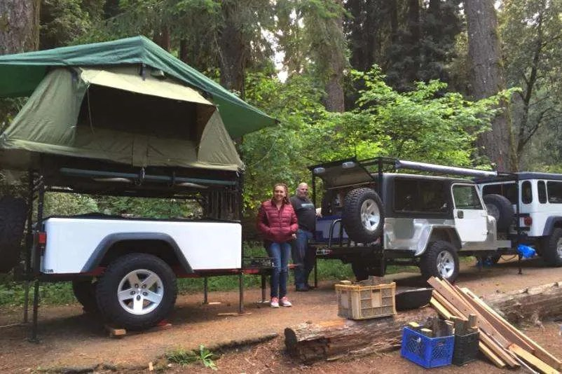 Jeep trailer father daughter build photo of finished Dinoot Trailer
