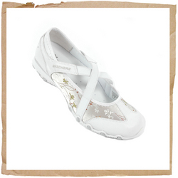 https://i1.wp.com/www.comparestoreprices.co.uk/images/sk/skechers-bikers-waterlily-white.jpg