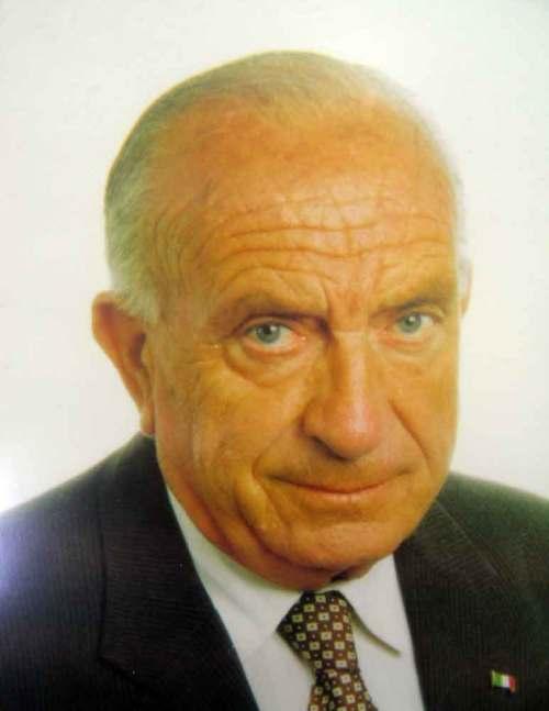 Jose-Ortin-Estevan-1982---1986-1000x-w