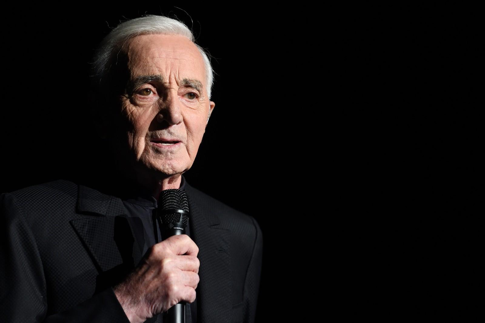 Morre aos 94 anos Charles Aznavour, cantor francês do sucesso 'She'