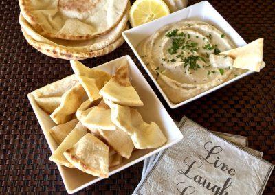 White Bean and Roasted Garlic Dip