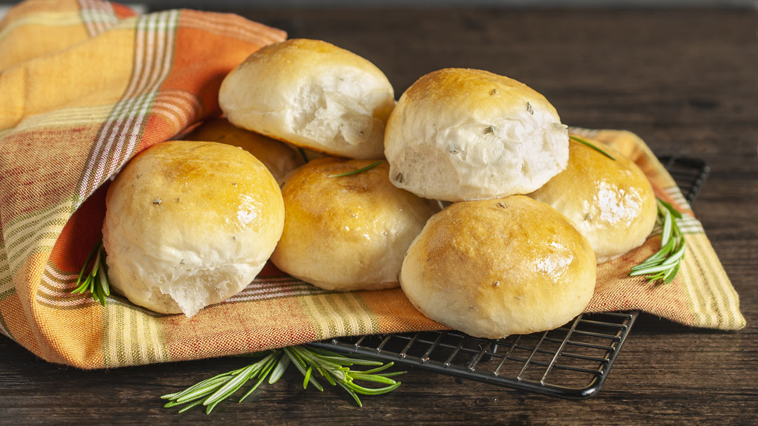 Rosemary Buttermilk Rolls