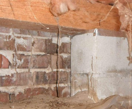 13 Common Crawl Space Damage Signs in Winter