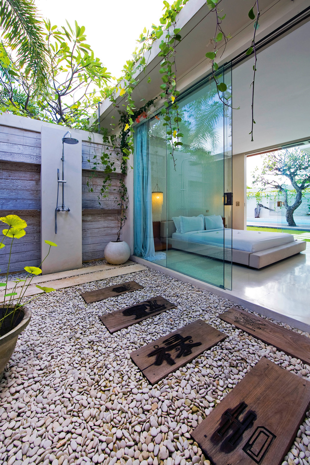 The ultimate outdoor bathroom guide - Completehome on Small Area Bathroom Ideas  id=64857