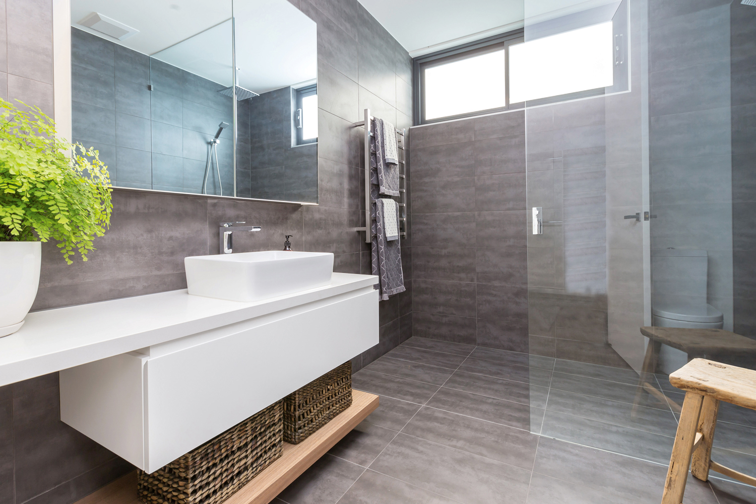 Small space, big bathroom - Completehome on Bathroom Ideas Small Spaces  id=76468